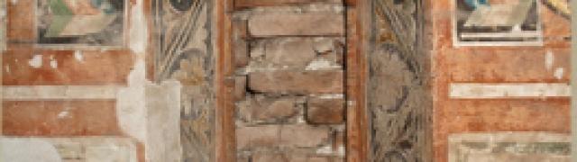 """2. Transetto sinistro: i pannelli della mostra """" Le chiese nascoste"""""""